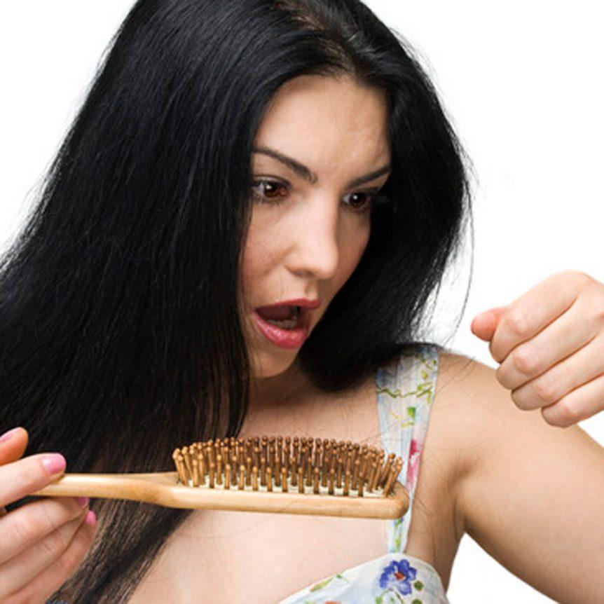 Naisten hiustenlähtö on ratkaistavissa, hiustenlähtö naisilla voi olla tilapäistä tai pysyvää