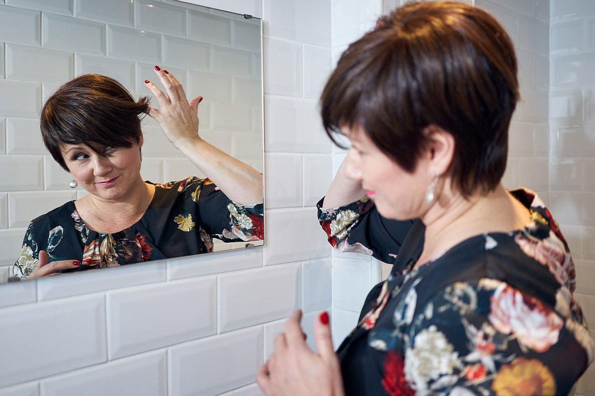 Naisten luonnolliset hiuslisäkkeet
